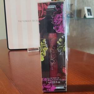 NEW IN BOX Victoria's Secret Bombshell Wil…